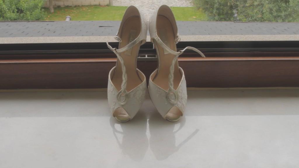 Consejos para elegir los zapatos de novia Vanessa y Noel