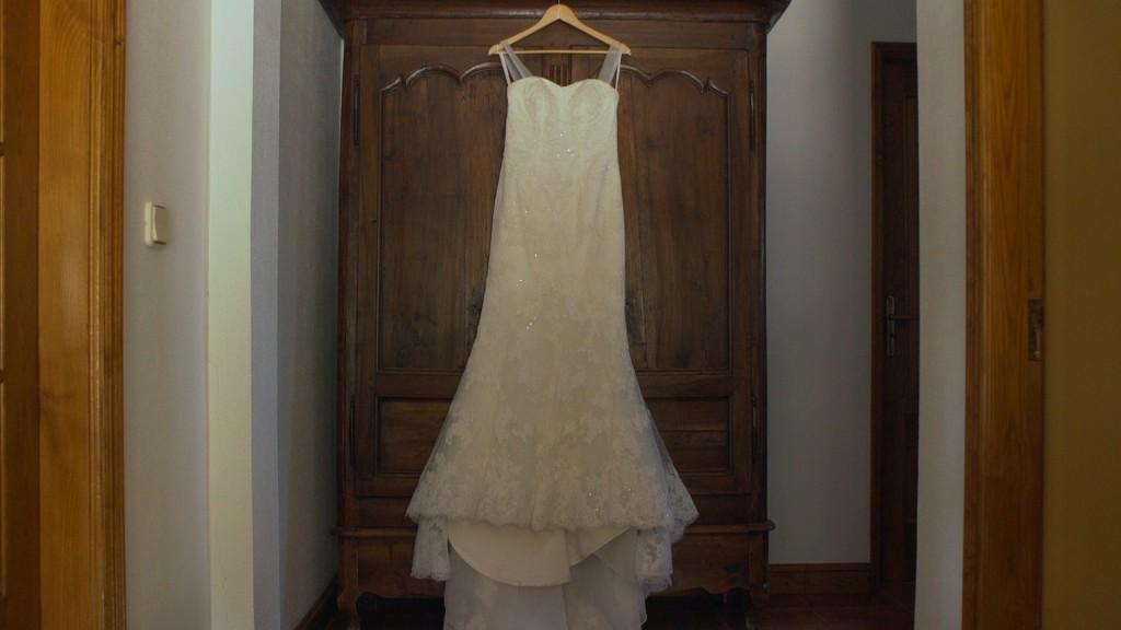 Vestido vídeo de boda de Emilie y Nelson